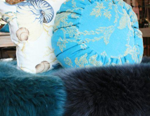 Große Auswahl an Kissen von Steen Design bei HOME & GARDEN Hannover